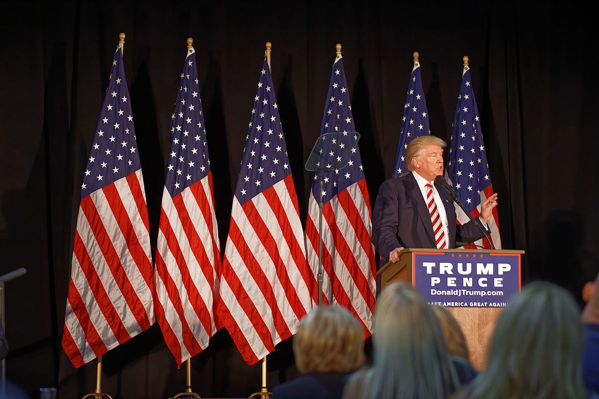 Weekend roundup: Trump, Clinton face off in second Presidential debate, HurricaneMatthew